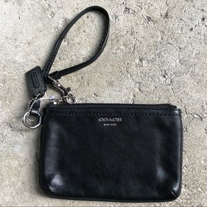 COACH Leather Wristlet / Wallet excellent! 4.5x6.5